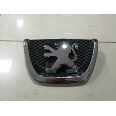 Решетка радиатора Peugeot 207