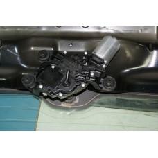 Моторчик стеклоочистителя задний Volkswagen Touareg