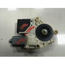 Мотор стеклоподъемника задний правый Renault Megane III