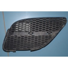 Решетка радиатора левая Nissan Almera