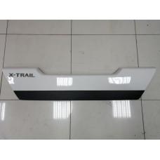 Накладка крышки багажника Nissan X-Trail T31