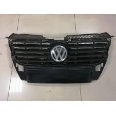 Решетка радиатора Volkswagen Passat (B6)
